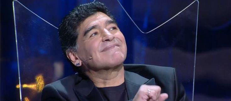Cittadinanza a Maradona polemica per il cachet. Borriello: Pagato dagli sponsor