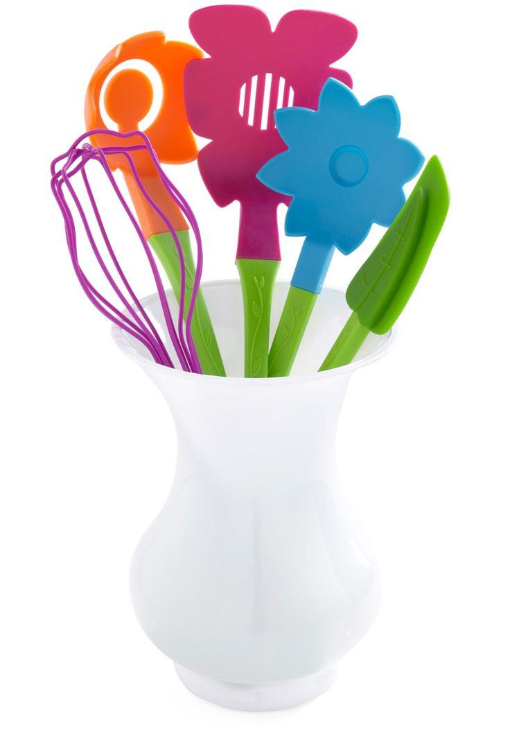 Fresh Skills Utensil Set - Multi: Vintage Kitchens, Modcloth, Kitchens Utensils, Utensils Sets, Cooking Utensils, Savory Recipe, Skills Utensils, Retro Vintage, Fresh Skills