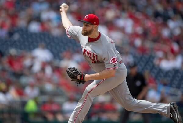 Scott Feldman placed on DL with knee inflammation-Dr. Morse = Cincinnati Reds placed pitcher Scott Feldman on the 10 day disabled list with right knee inflammation. Expect him to be out at least 1.....