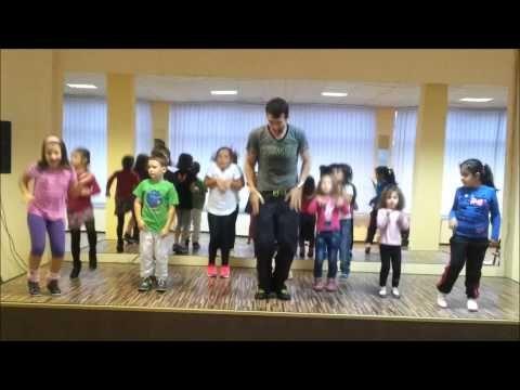 Zumba Kids cu Andrei - Hamster Dance - YouTube