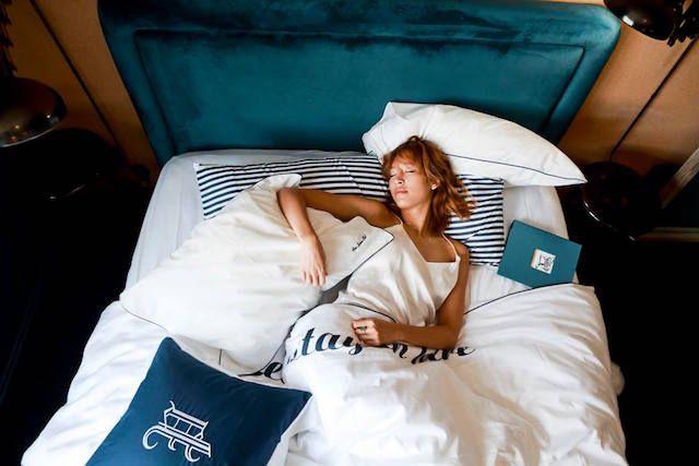 プライベートスプーンズクラブ仕様の特別ルームがLAのパリホテルに3カ月限定で登場