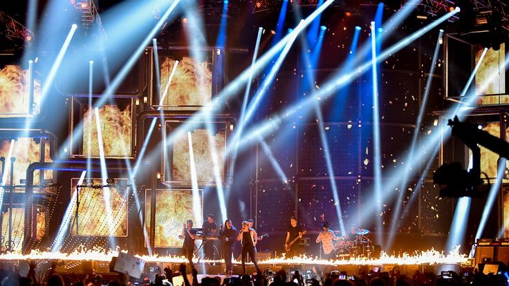 BBC Music - All the best photos of One Direction at the BBC Music Awards 2015