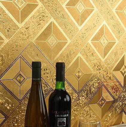 Купить товарСовременная классика люкс обои ролл золотой фольги обоев блеск геометрия пвх стены бумага для общественной палаты ктв стены R85 в категории Обоина AliExpress.          Материал: ПВХ золотой фольги     Метрический Размер: 10 м * 0.53 м = 5.3 квадратных метров  &