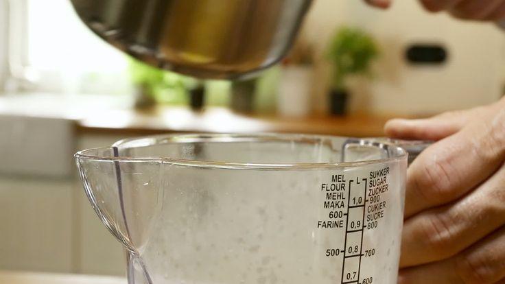 Bearnaisesaus  - Video - Heerlijk! Maar veel teveel, een kwart van dit recept is voldoende voor 2-3 personen!! De eieren bonden bij mij pas na 10 min. Misschien beter roeren ipv kloppen. Goed op smaak brengen op het laatst met genoeg zout,citroen,dragon.
