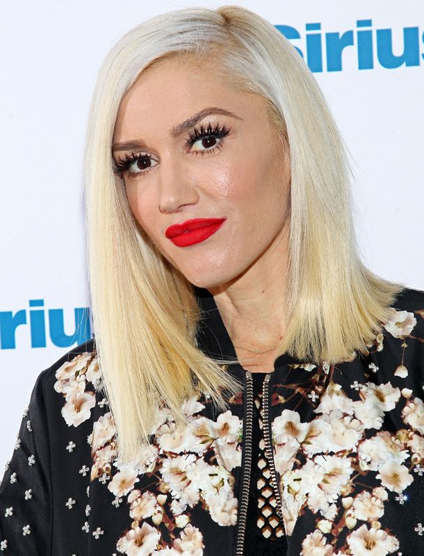 Look to Try Now: Big Eyelashes and Red Lips Gwen Stefani