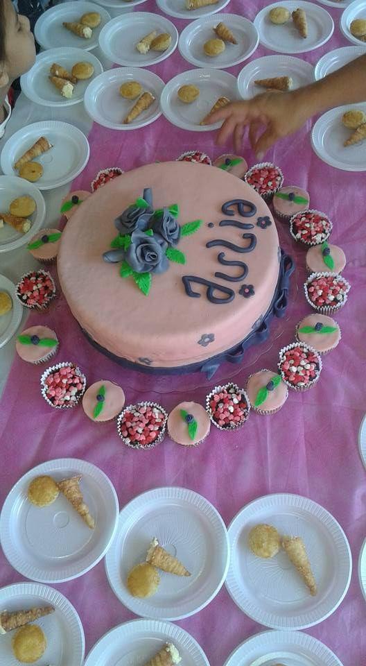 bolo de flores roxas e lilas