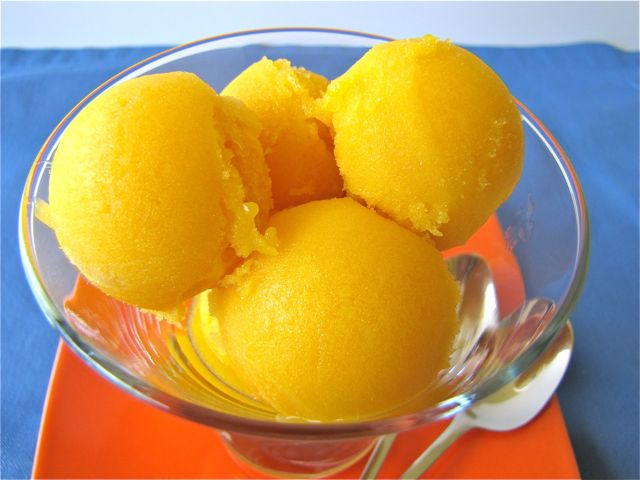 Mango Sorbet ...yum...What I will enjoy on Thursday when I learn about #mommapope!
