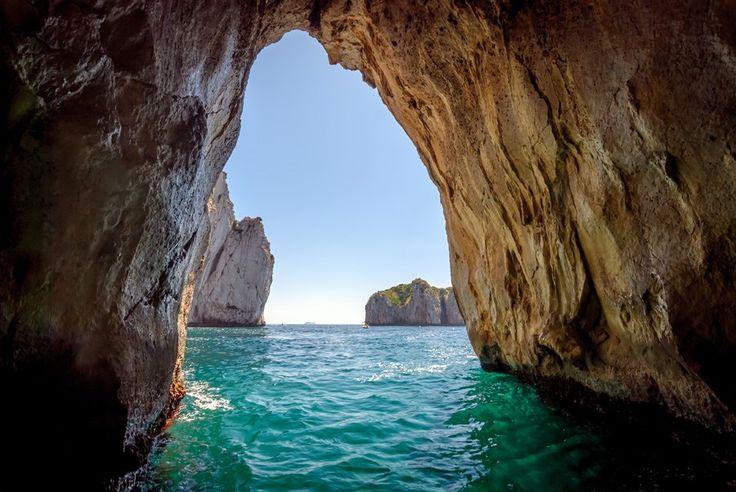 イタリアにもある青い洞窟/イタリア
