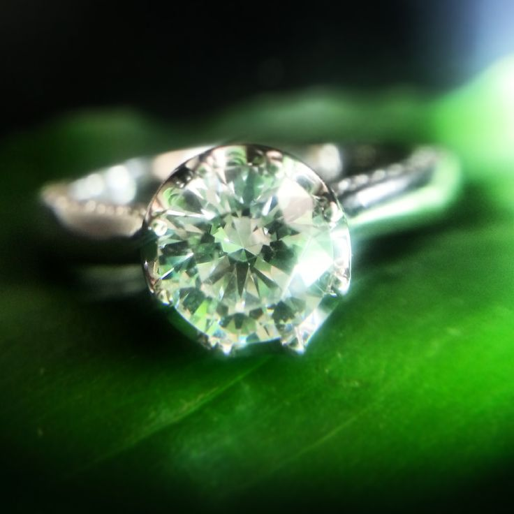 The art of love. 다이아몬드의 아름다운 광채. #Engagement #Ring #diamond #반지 #웨딩링 #결혼반지