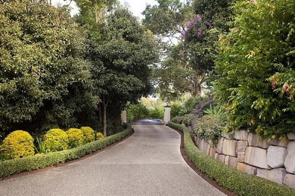 Long Driveways #curbappeal #finehomes #coolspaces