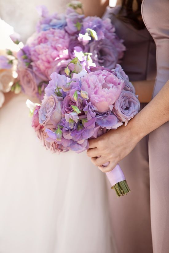 purple wedding bouqet