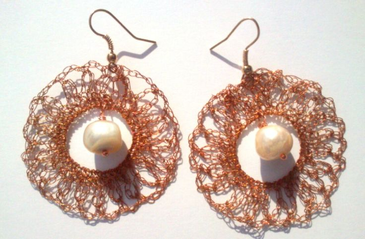 #ROSASE #earrings in twisted #copper #wire and freshwater #pearl by #FTJ #FiammaTortoliJewelry