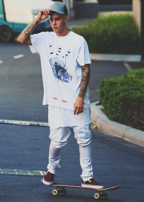 17 Justin Bieber Swag Outfits to Copy for Swag Seem - http://www.2016hairstyleideas.com/beauty/17-justin-bieber-swag-outfits-to-copy-for-swag-seem.html