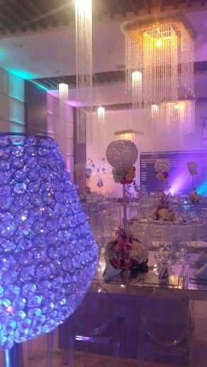 Decoracion con cristales e iluminacion ambiental