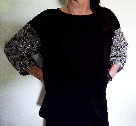 Maglia casacca in jersey nero con manica in di fabricpuntoelle