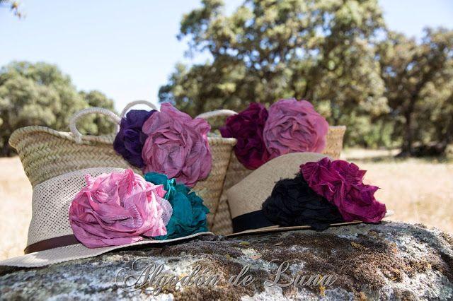 Sombrero de paja colos natural con flores de tela y perlas de algodondeluna@gmail.com o 606619349 se personalizan con mil colores y opciones para que seas la invitada perfecta en cualquier ocasión.Por Siempre Jamás