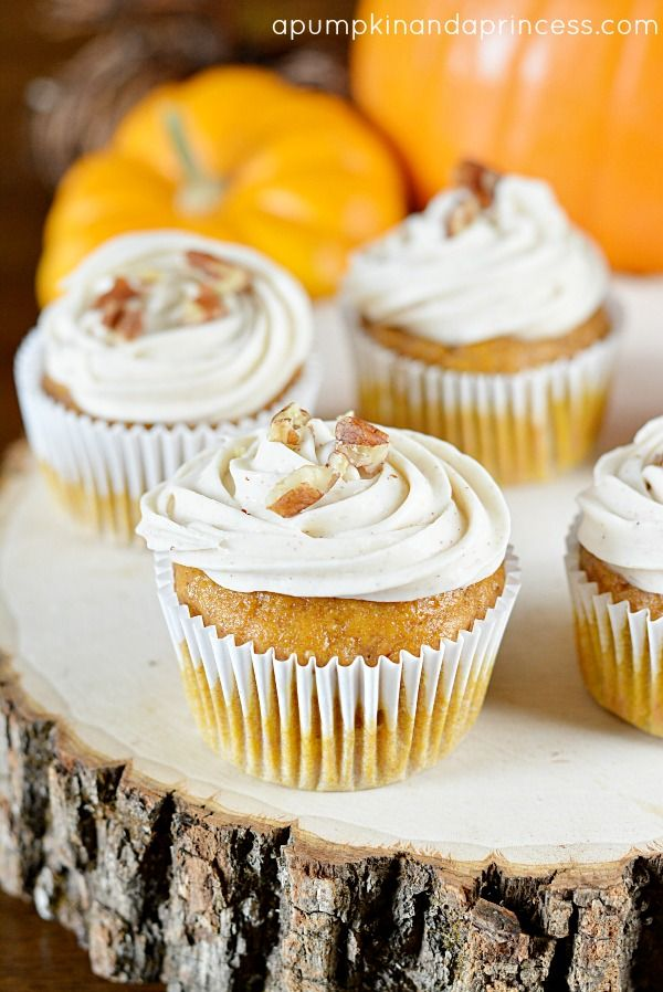 Pumpkin Spice Cupcakes with Maple Frosting | pumpkin recipes, desserts
