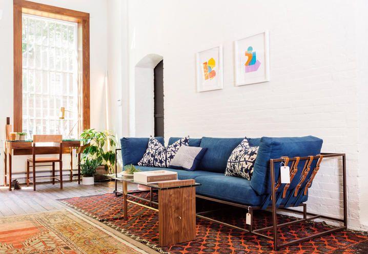 casa-negozio-stile-vintage-calliope-new-york-divano-blu