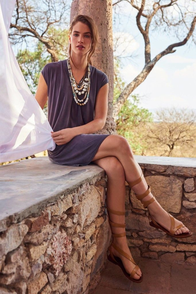 Summer look | Roman sandals, loose dress and statement necklace