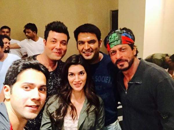 "Varun Dhawan, Kriti Sanon and Shah Rukh Khan and at the screening of ""Kis Kisko Pyaar Karoon"" with Kapil Sharma and Varun Sharma in Hyderabad."