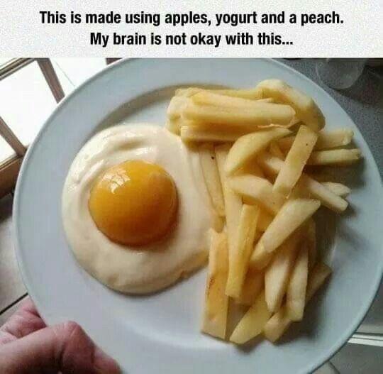 Yoghurt met perzik en frietjes van appel