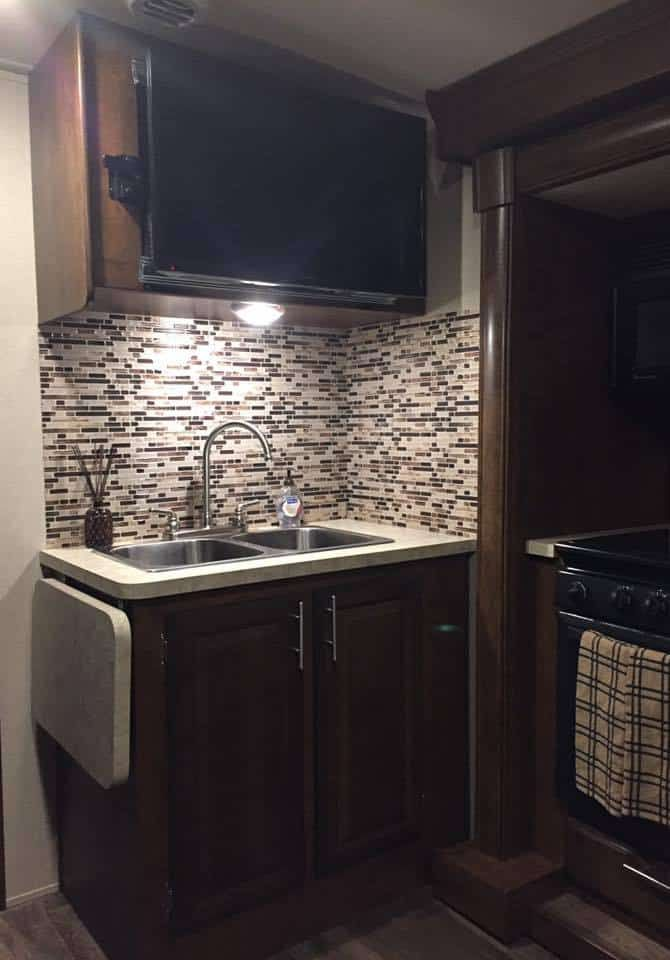 This operating system will not work on your pc if it's missing required drivers. rv renovation backsplash idea   Kitchen backsplash designs