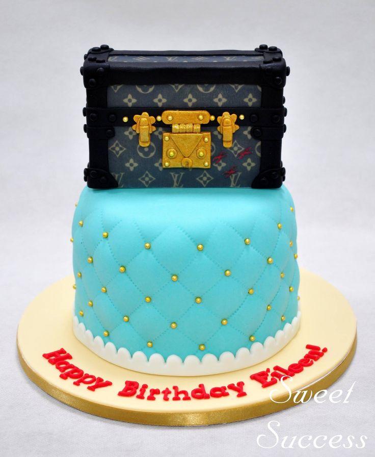LV Petite Malle Cake