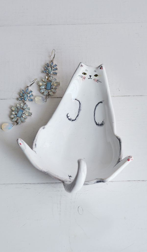 Cat ring holder, Cat ring dish, Ceramic Cat Ring Dish, Ceramic Ring Holder, jewelry dish, ceramic cat, cat figurine, Cat lover gift