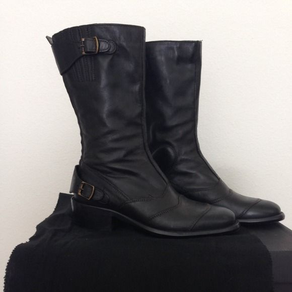 Belstaff Roadmaster Lady Leather Boots, Black Buckle- fastening tabs, elasticated top panel, round toe. Heel measures approx. 1.5 inches. Zip fastening at the back. Worn once. NOT Madewell, tagged as such for exposure. Madewell Shoes