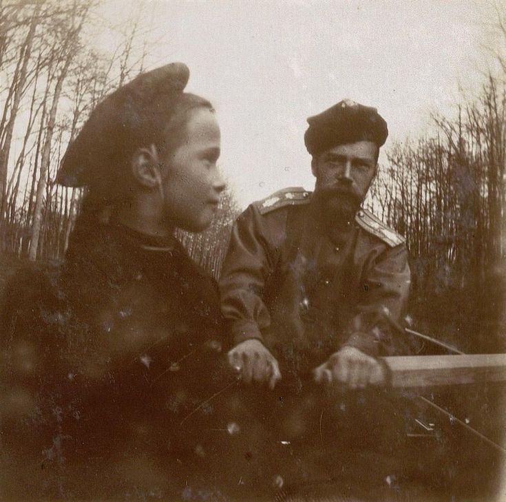 Grand duchess Olga with her father, Nicholas II, 1907. Source: https://m.vk.com/naaotma