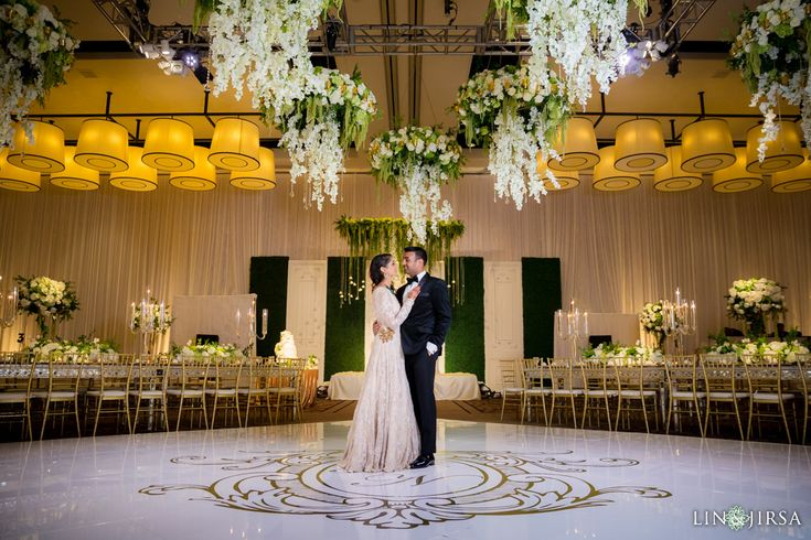 Please enjoy this gorgeous Terranea Resort Indian wedding featuring Nirali & Nimit. Special thanks to the wedding planner, Planning Elegance for organizing this beautiful event. …