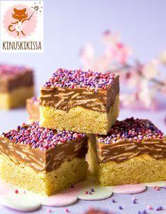 Wienin nougatpalat Pohja: 75 g voita 0,5 dl sokeria 1 muna 2 dl vehnäjauhoja 1 ps (80 g) Meira mantelijauhetta 1 tl Meira vaniljasokeria 0,5 tl Meira leivinjauhetta Täyte: 5 kpl (à 50 g)...