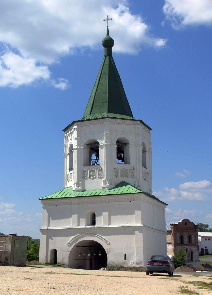 Дзвіниця Мовчанського монастиря в Путивлі