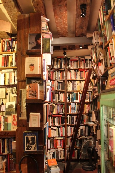 books.Shakespeare and company.Ln.