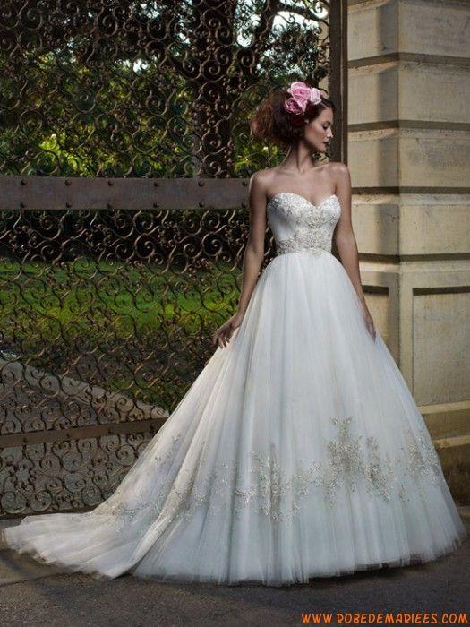 Robe de mariée tulle avec bustier en coeur broderie argentée