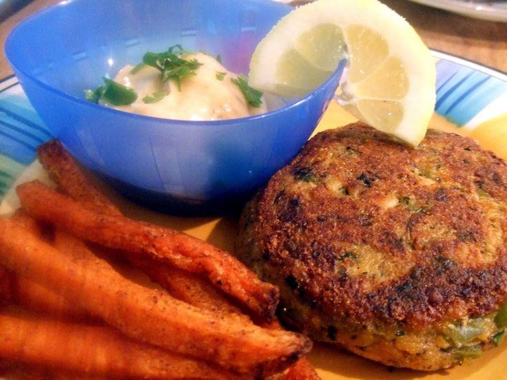 Tempeh crab cakes with horseradish dill mayo