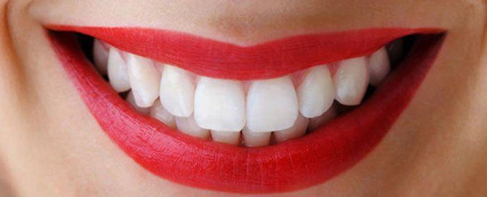 <p>Quem não quer ter os dentes branquinhos? Pode se fazer no dentista, mas o preço é um pouco elevado ou pode fazer em casa com ingredientes que se encontram na sua cozinha. -Depois de colocar a pasta dentífrica na escova, junte um pouco de sal fino e escove muito bem …</p>