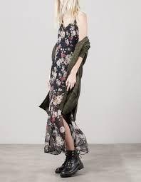Resultado de imagen para vestido largo negro con flores