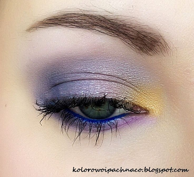 eyeshadows: Annabelle Minerals 'Vanilla', 'Lilac', Earthnicity 'Sunrise', Era Minerals 'Indie'. Mascara Maybelline Colossal Smoky Eyes, gel liner Makeup Geek 'Electric'. Catrice Eyebrow set.