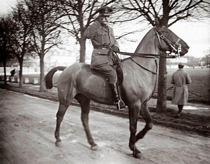 Never Before Published World War One Photographs Revealed