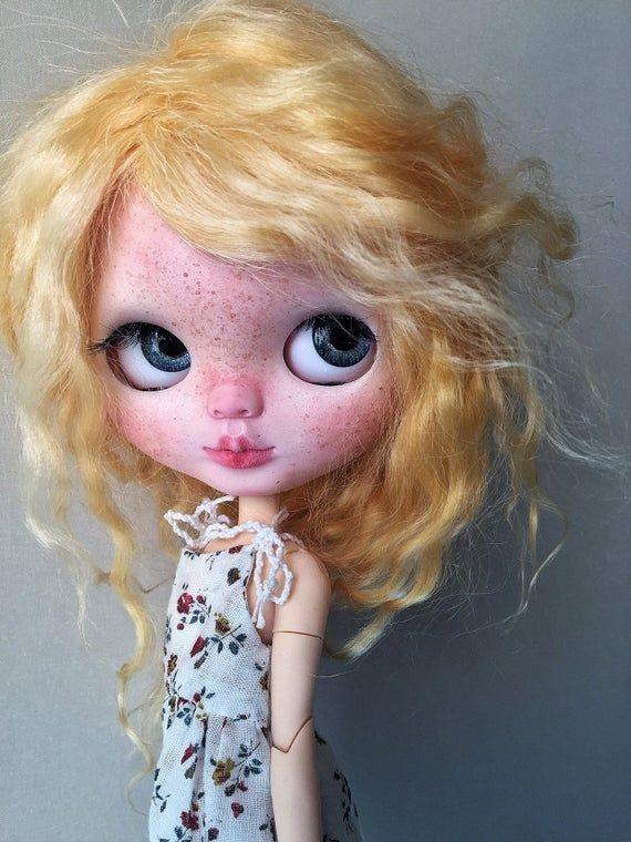 Milagros ~ Blythe Doll ~ Custom Doll ~ Art Doll ~ Big Eyes ~ Ooak Doll ~ Bambola ~ Wefted orange mohair Hair ~ Hybrid girl