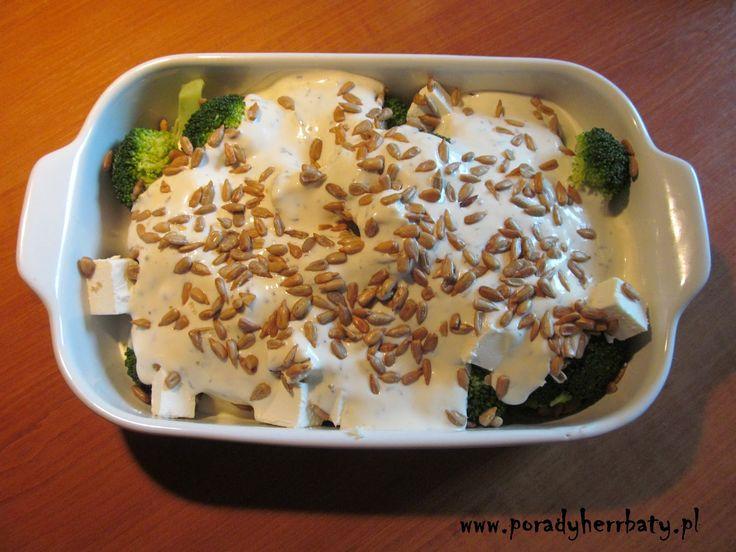 Myślę, że do jedzenia brokułów nie trzeba nikogo przekonywać... ale jeśli wciąż macie opory, zapraszam Was na artykuł - KLIK!  Brokuł...