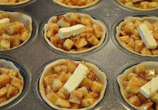 Mmmm!!! this one's a keeper !!Mini Apple Pies- can be done in your mini pie pans   THE BEST RECIPES