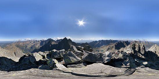 Panoráma Rysy - stredný vrchol, Vysoké Tatry, Vysoké Tatry, Slovensko.