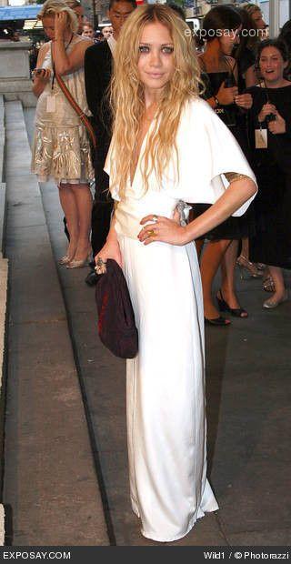 mary-kate-olsen-2007-cfda-fashion-awards-red-carpet-ct2IkC.jpg (320×620)