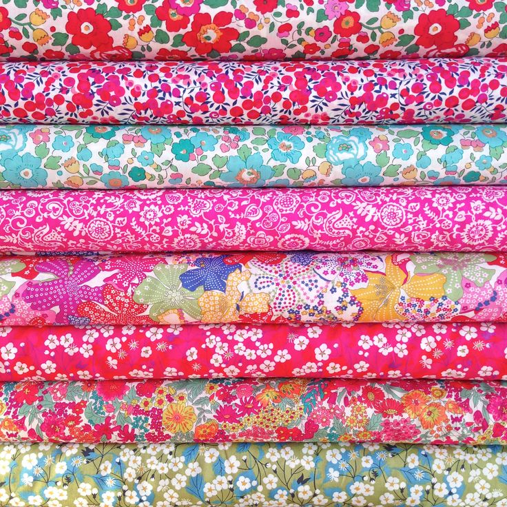 Liberty Fabric Tana Lawn 8 Fat Quarters Selection 560
