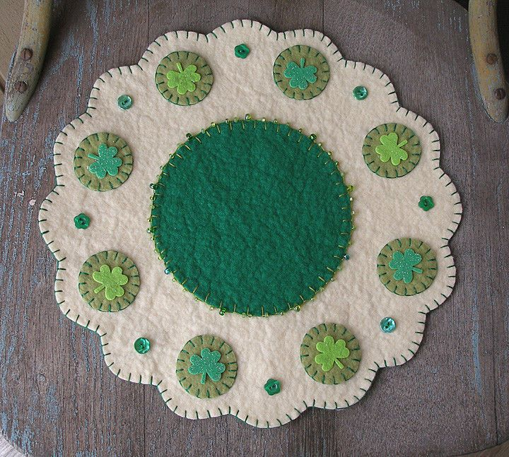 ~Primitive St. Patrick's Day Penny Rug....Candle Mat.....Shamrock & beads...~