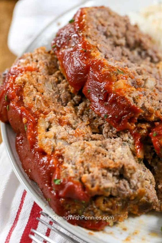 This Is The Easiest Meatloaf Recipe Ever It Comes Out So Tender And Juicy Every Single Time Good Meatloaf Recipe Classic Meatloaf Recipe How To Cook Meatloaf