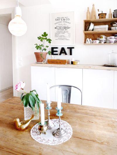 DetailKitchens Kitchens Design, Interiors Design Kitchens, Design Interiors, Home Interiors Design, Kitchens Tables, Pink Kitchens, Cozy Kitchens, Buffets Tables, Kitchens Sinks