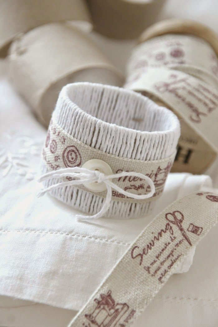 napkin rings using the cardboard of kitchen paper towel